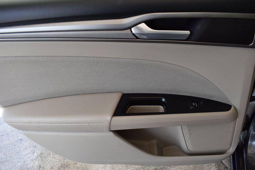 2017 Ford Fusion SE FWD - 17899605 - 15
