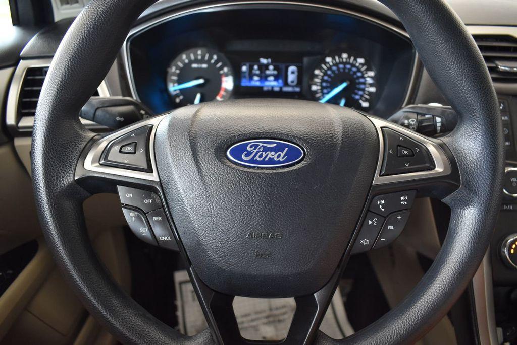 2017 Ford Fusion SE FWD - 17899605 - 17