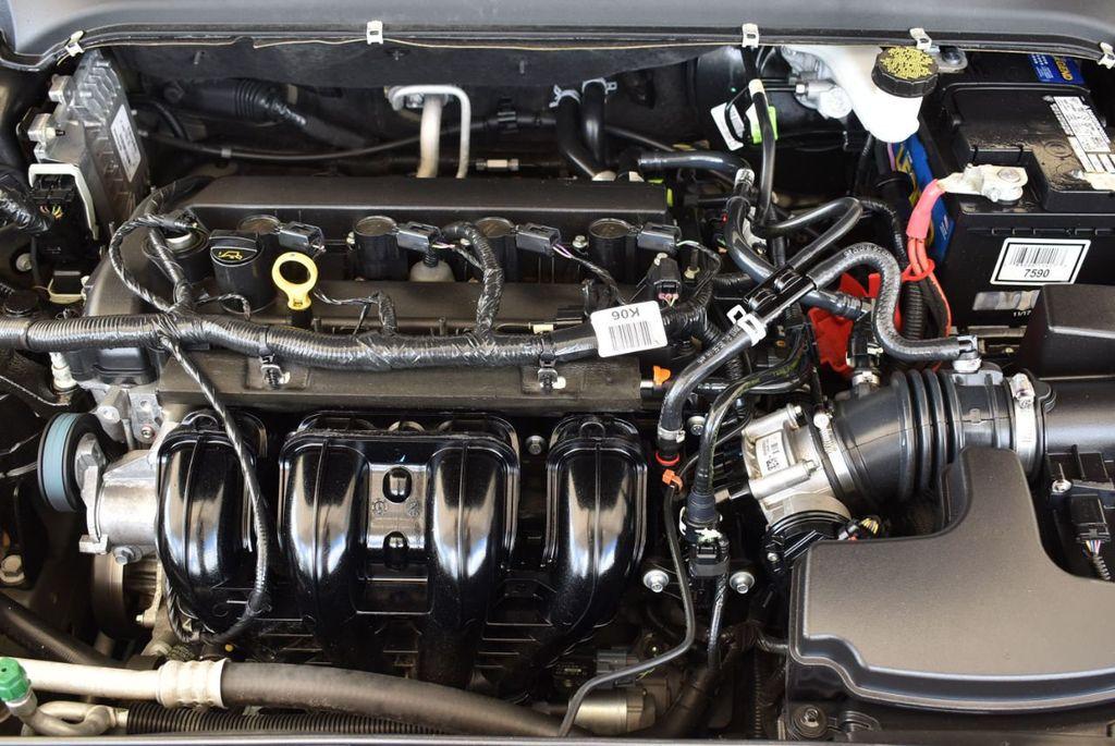 2017 Ford Fusion SE FWD - 17899605 - 26