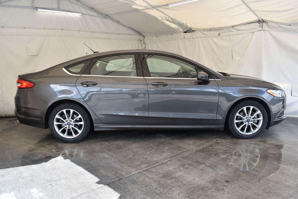2017 Ford Fusion SE FWD - 17899605 - 2