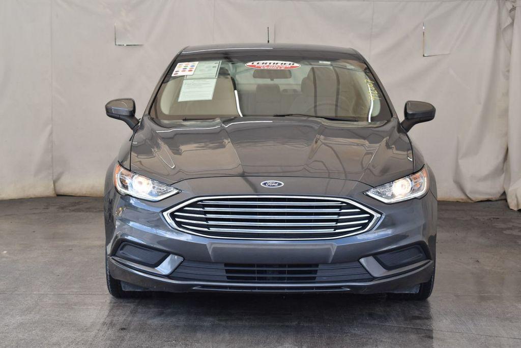 2017 Ford Fusion SE FWD - 17899605 - 3