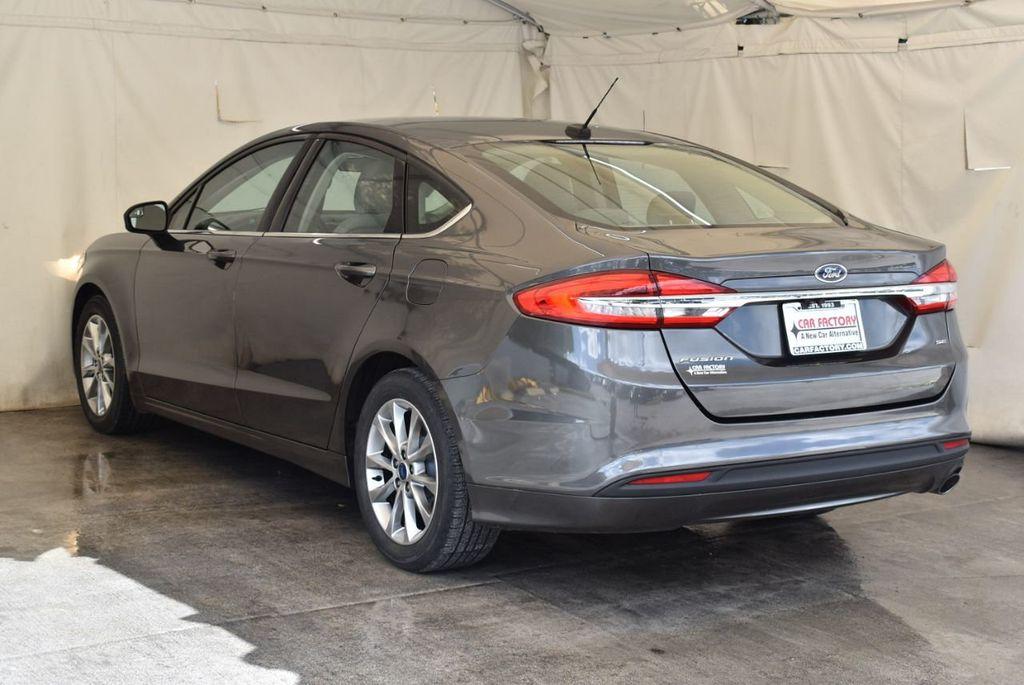 2017 Ford Fusion SE FWD - 17899605 - 5