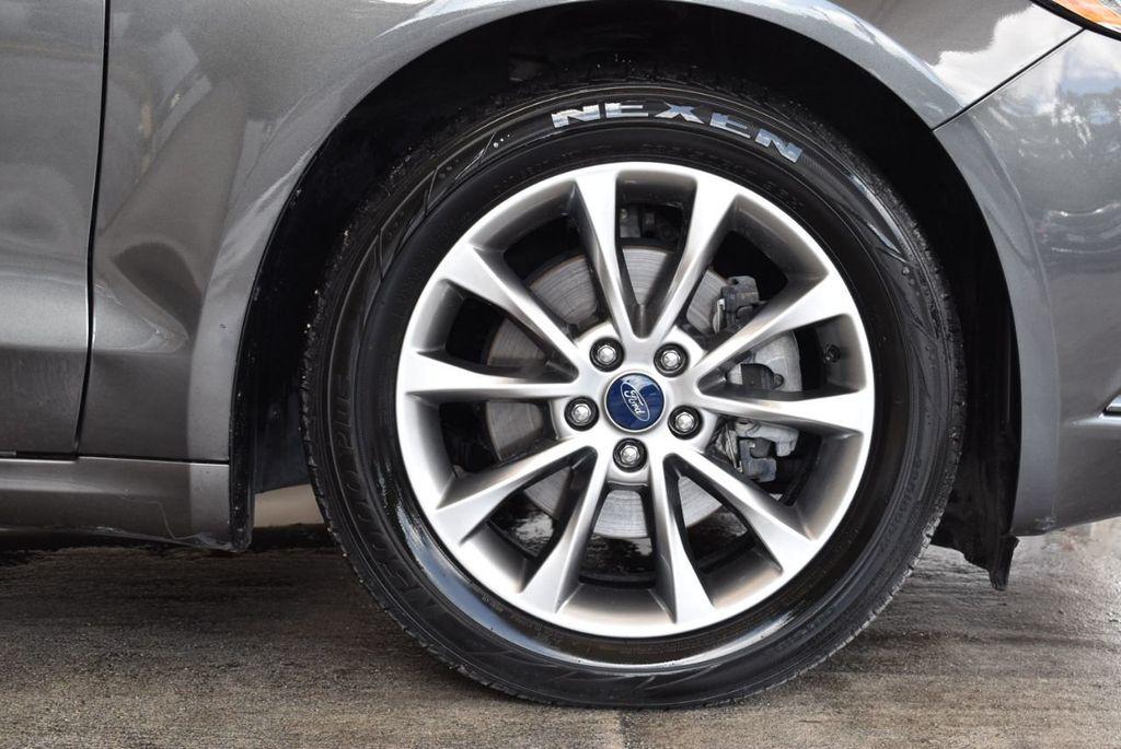 2017 Ford Fusion SE FWD - 17899605 - 8