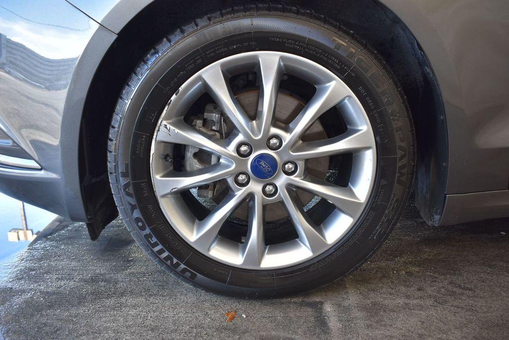 2017 Ford Fusion SE FWD - 17942480 - 11