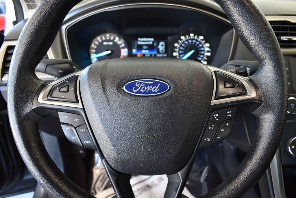 2017 Ford Fusion SE FWD - 17942480 - 17