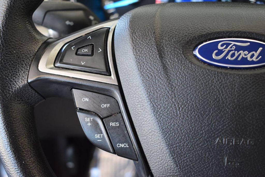 2017 Ford Fusion SE FWD - 17942480 - 19