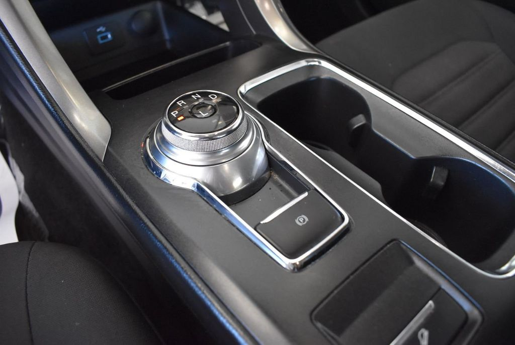 2017 Ford Fusion SE FWD - 17942480 - 21