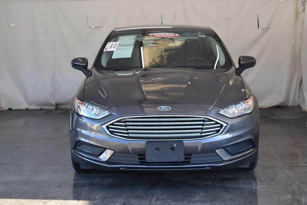 2017 Ford Fusion SE FWD - 17942480 - 3