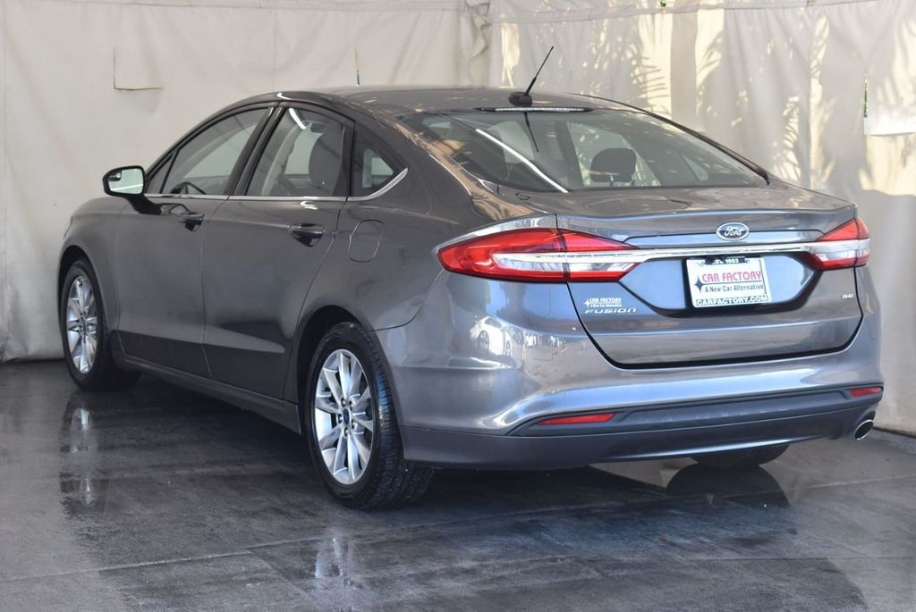 2017 Ford Fusion SE FWD - 17942480 - 5