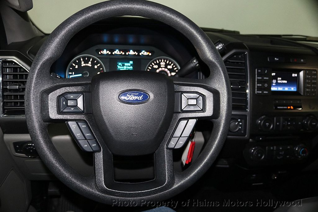 2017 Ford F-150  - 17450599 - 28
