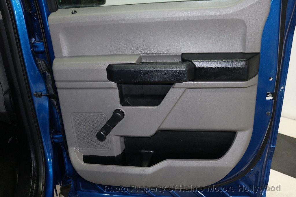 2017 Ford F-150 XLT 2WD SuperCrew 5.5' Box - 18156048 - 11