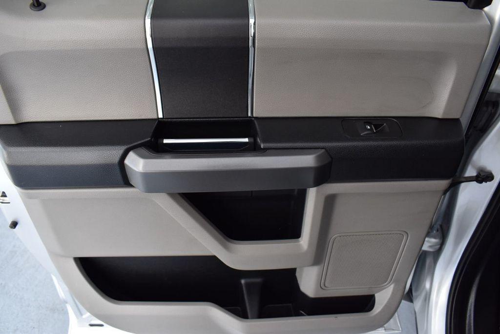 2017 Ford F-150 XLT 2WD SuperCrew 5.5' Box - 18365123 - 11