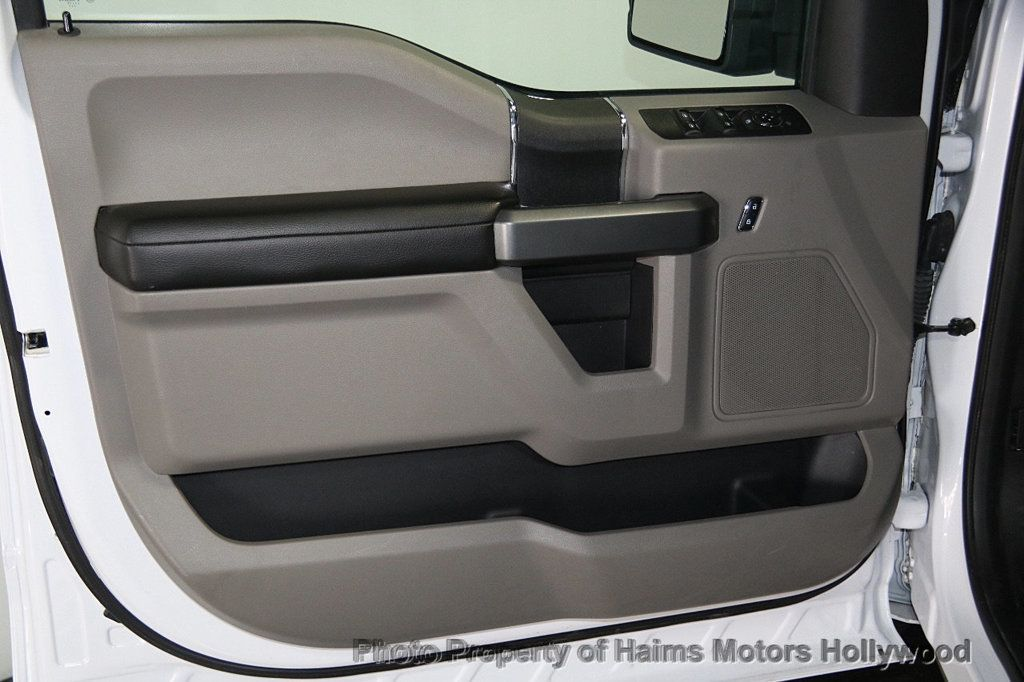 2017 Ford F-150 XLT 4WD SuperCrew 5.5' Box - 17235640 - 10