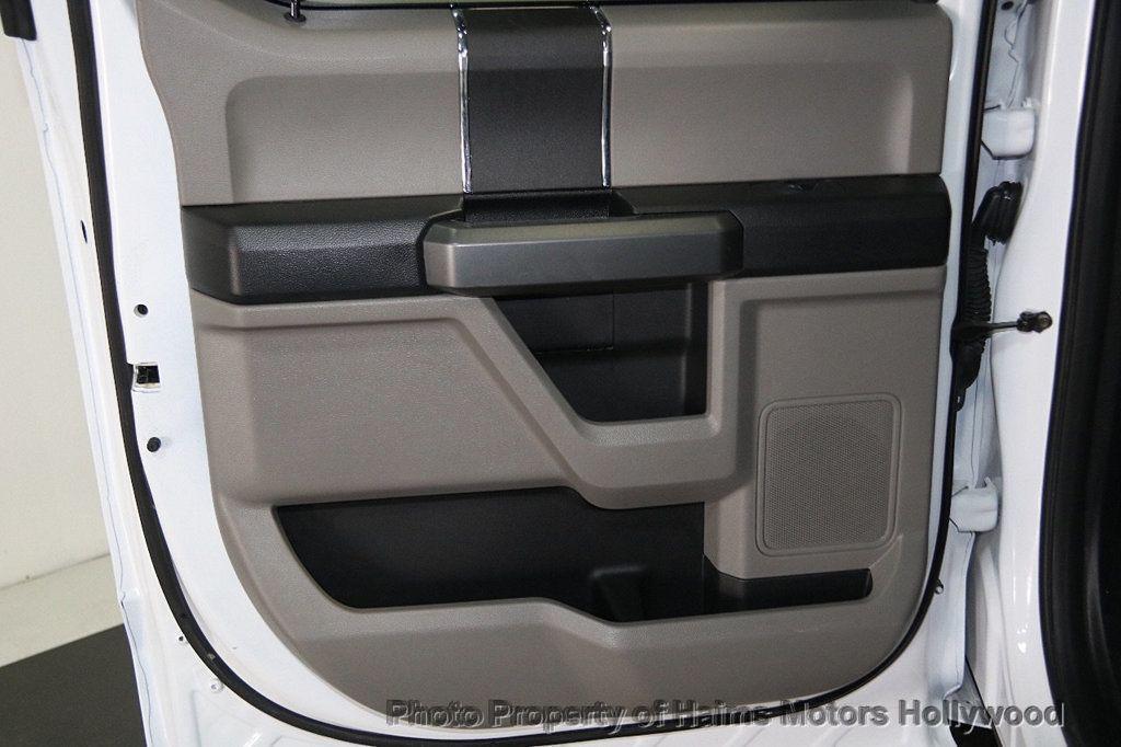 2017 Ford F-150 XLT 4WD SuperCrew 5.5' Box - 17235640 - 11