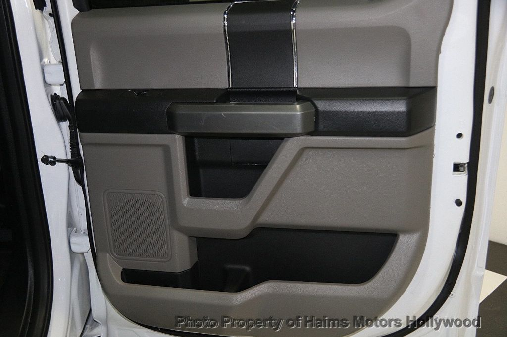 2017 Ford F-150 XLT 4WD SuperCrew 5.5' Box - 17235640 - 12
