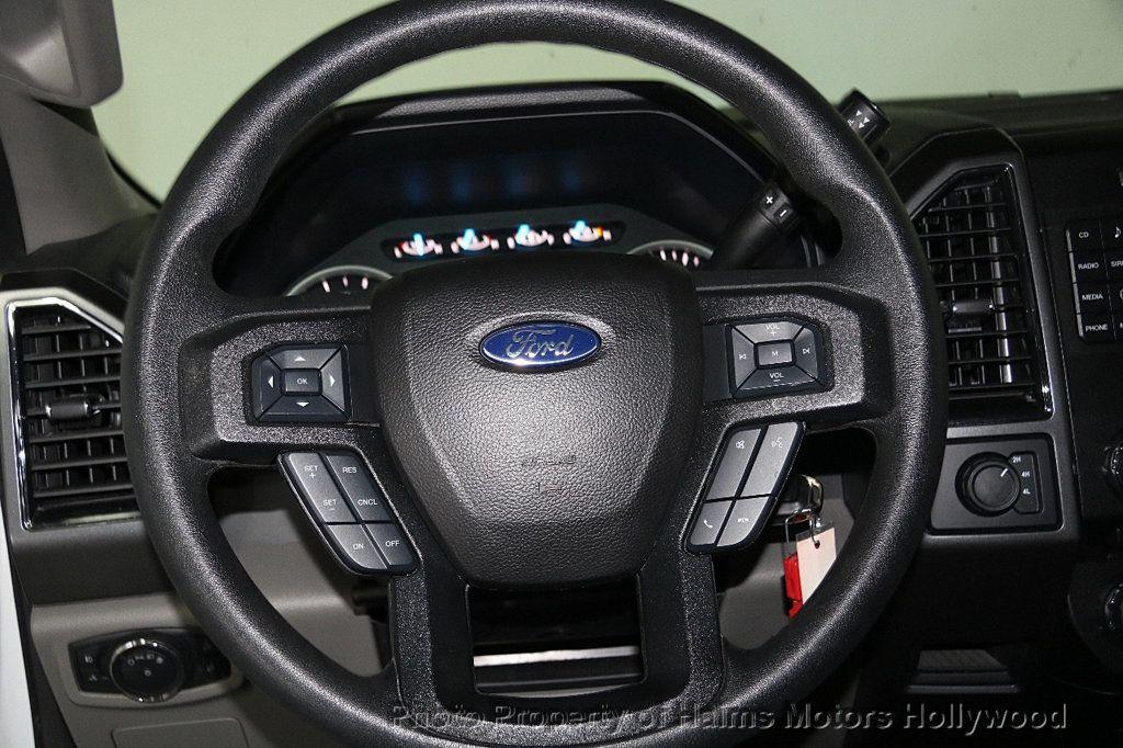 2017 Ford F-150 XLT 4WD SuperCrew 5.5' Box - 17235640 - 27