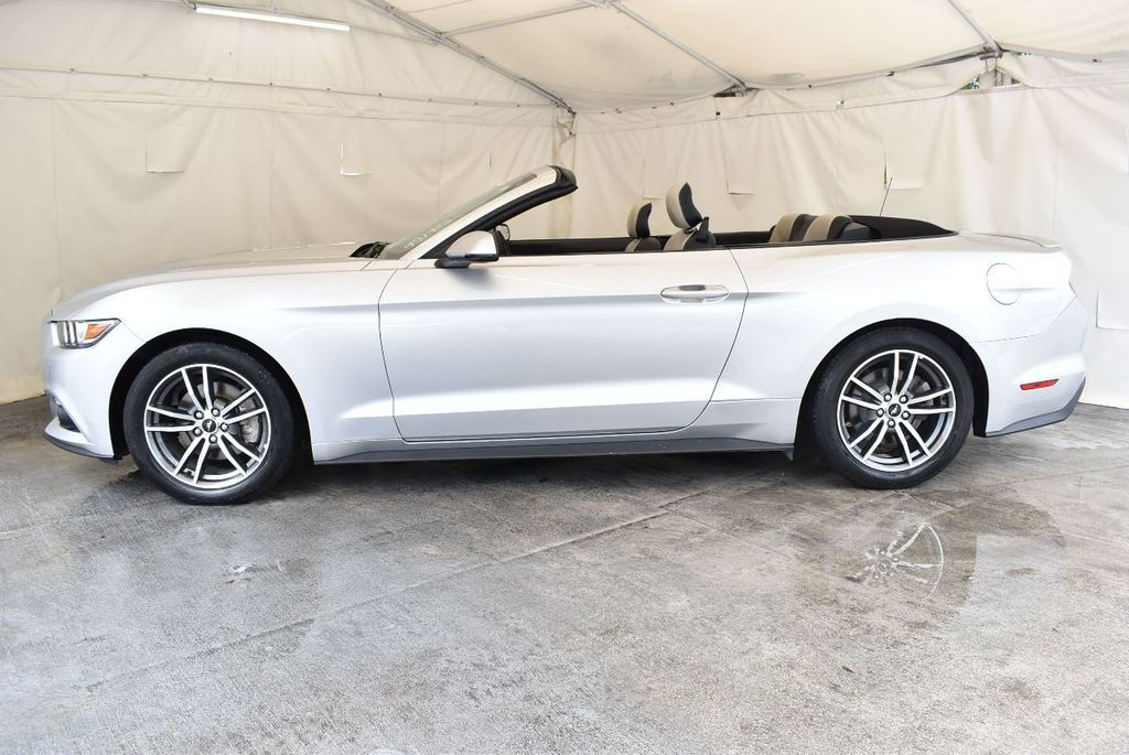 2017 Ford Mustang EcoBoost Premium Convertible - 17875111 - 4