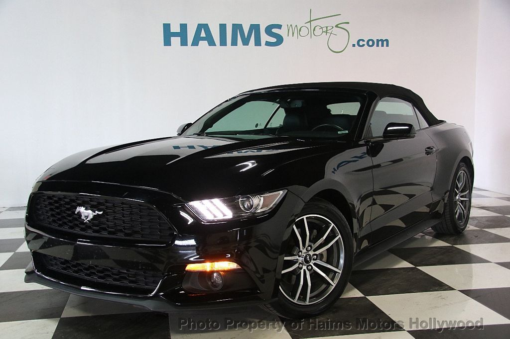 2017 Ford Mustang EcoBoost Premium Convertible - 17241626 - 7