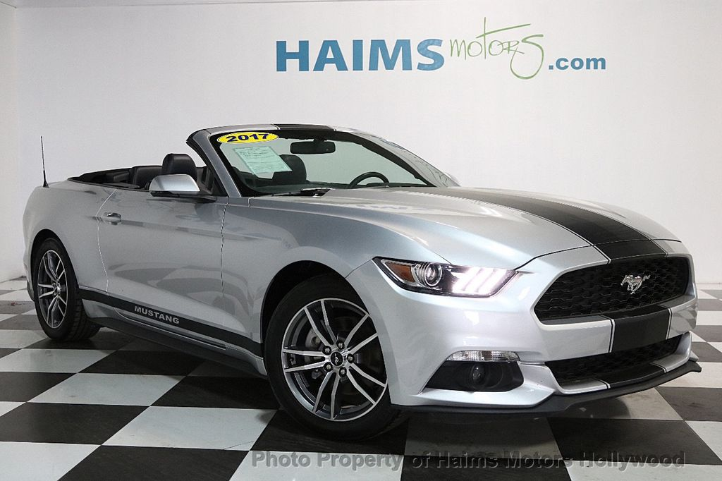 2017 Ford Mustang EcoBoost Premium Convertible - 17286578 - 4
