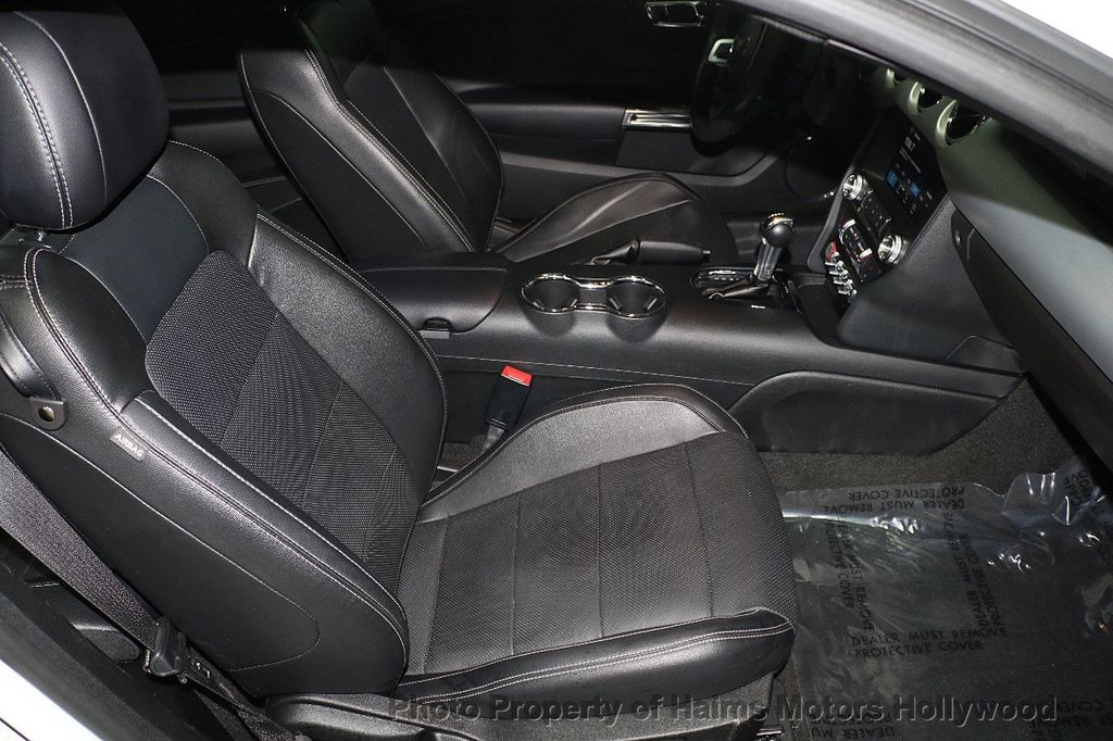 2017 Ford Mustang GT Fastback - 17995980 - 12