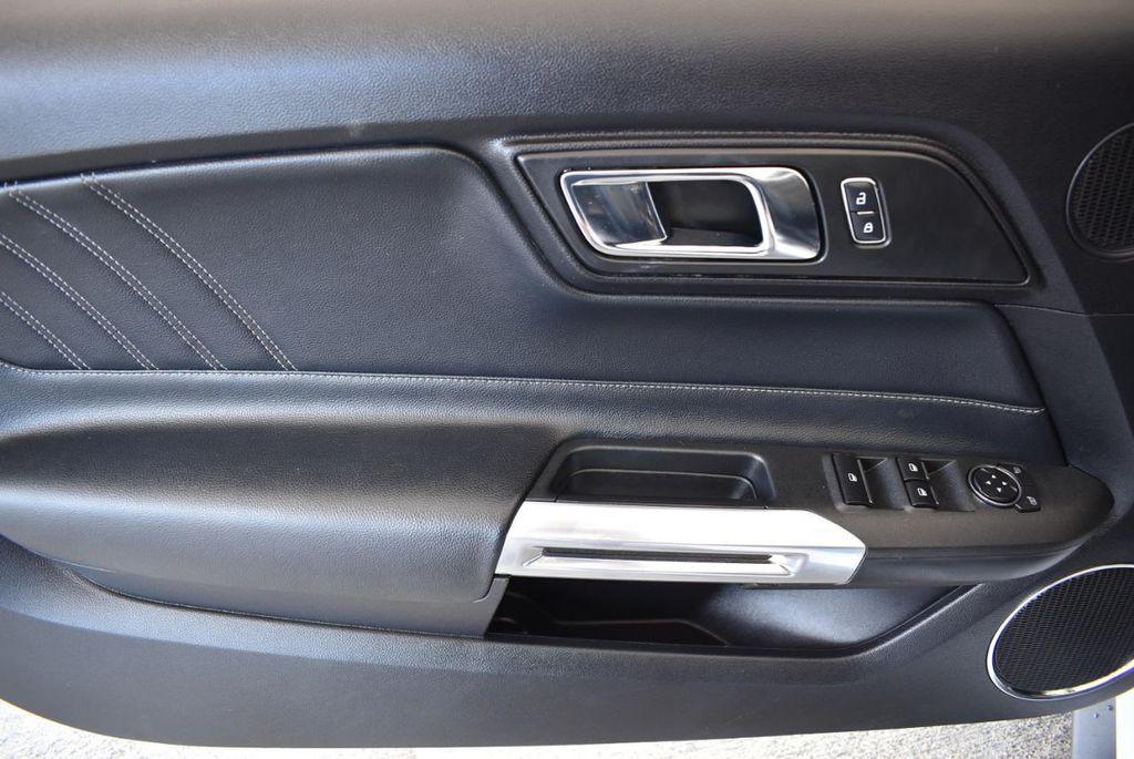 2017 Ford Mustang GT Premium Convertible - 17986921 - 14