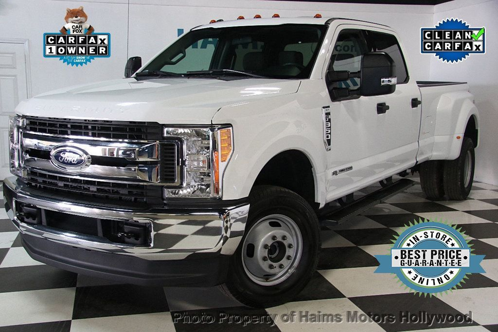 2017 Ford Super Duty F-350 DRW XLT 4WD Crew Cab 8' Box - 17267898