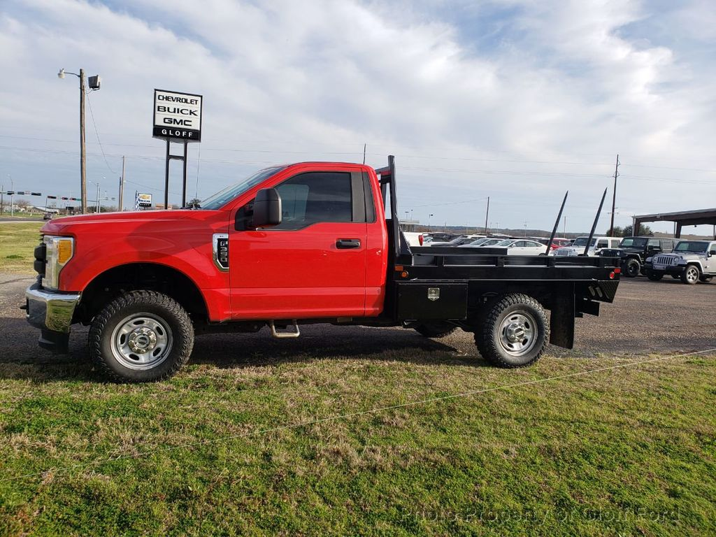 2017 Ford Super Duty F-350 SRW XLT 4WD Reg Cab 8' Box - 18524609 - 1