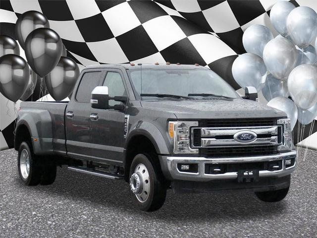 2017 Ford Super Duty F-450 DRW XLT 4WD Crew Cab 8' Box - 18369600 - 0