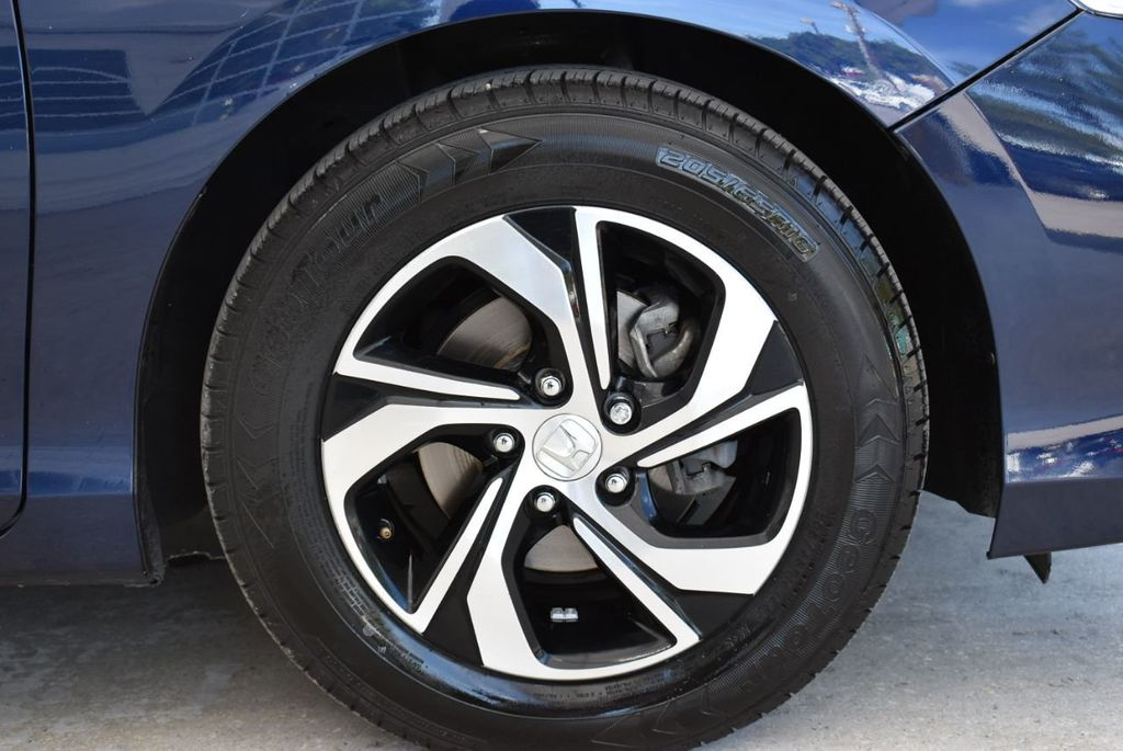 2017 Honda Accord Sedan LX CVT - 18663315 - 9