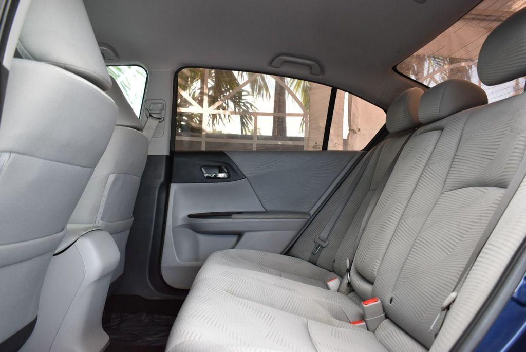 2017 Honda Accord Sedan LX CVT - 18663315 - 10
