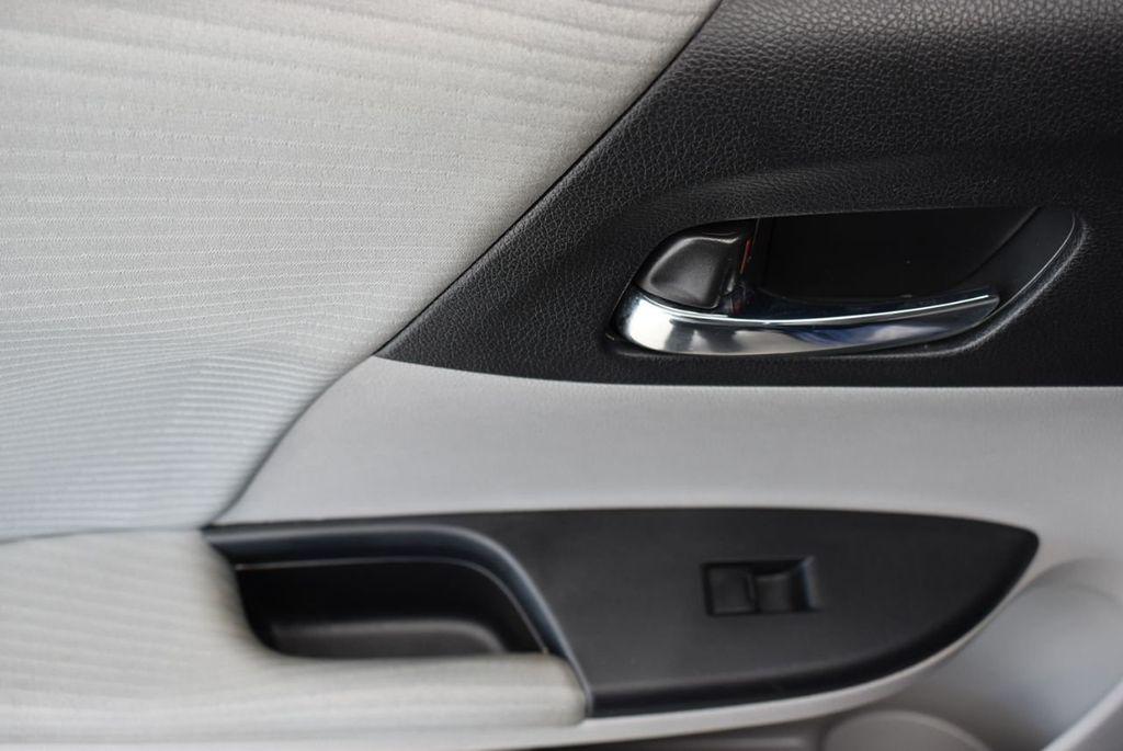 2017 Honda Accord Sedan LX CVT - 18663315 - 11