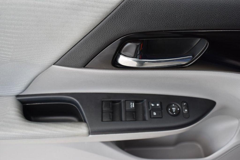 2017 Honda Accord Sedan LX CVT - 18663315 - 13