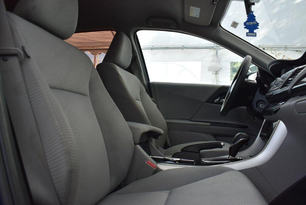 2017 Honda Accord Sedan LX CVT - 18663315 - 14