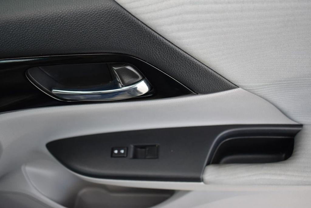 2017 Honda Accord Sedan LX CVT - 18663315 - 15