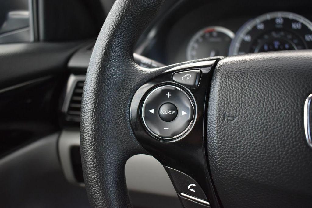 2017 Honda Accord Sedan LX CVT - 18663315 - 21
