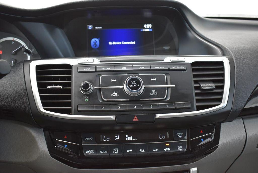 2017 Honda Accord Sedan LX CVT - 18663315 - 22