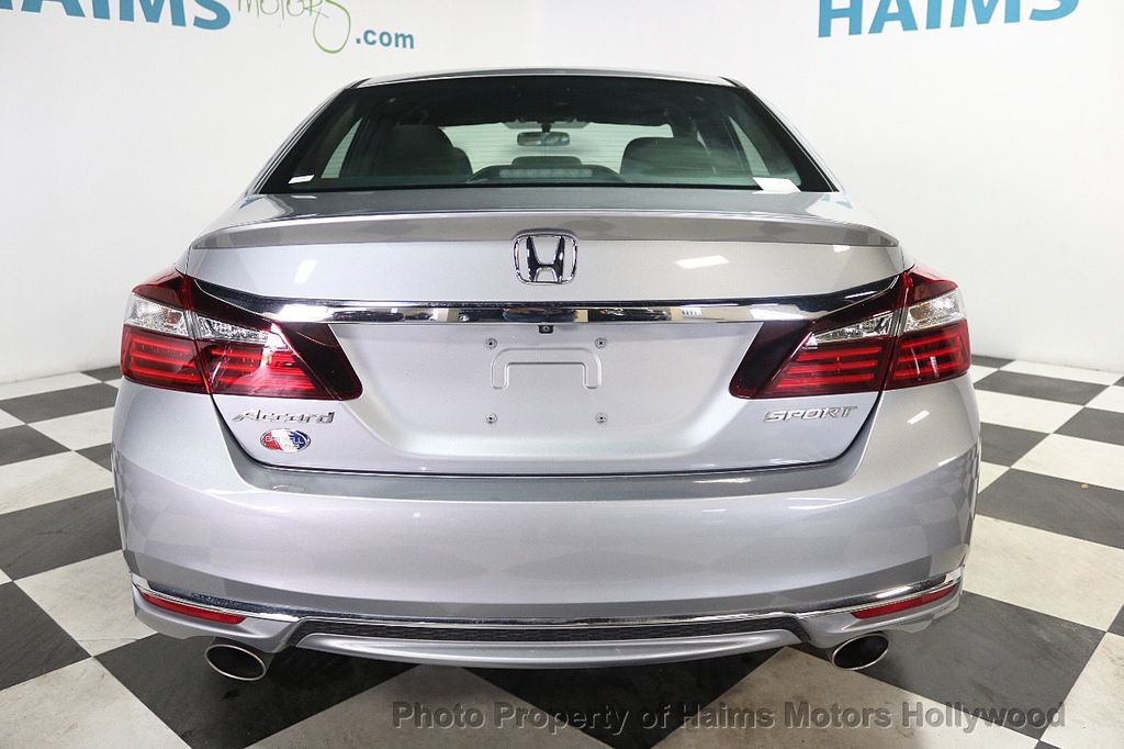 2017 Honda Accord Sedan Sport CVT - 17925329 - 5