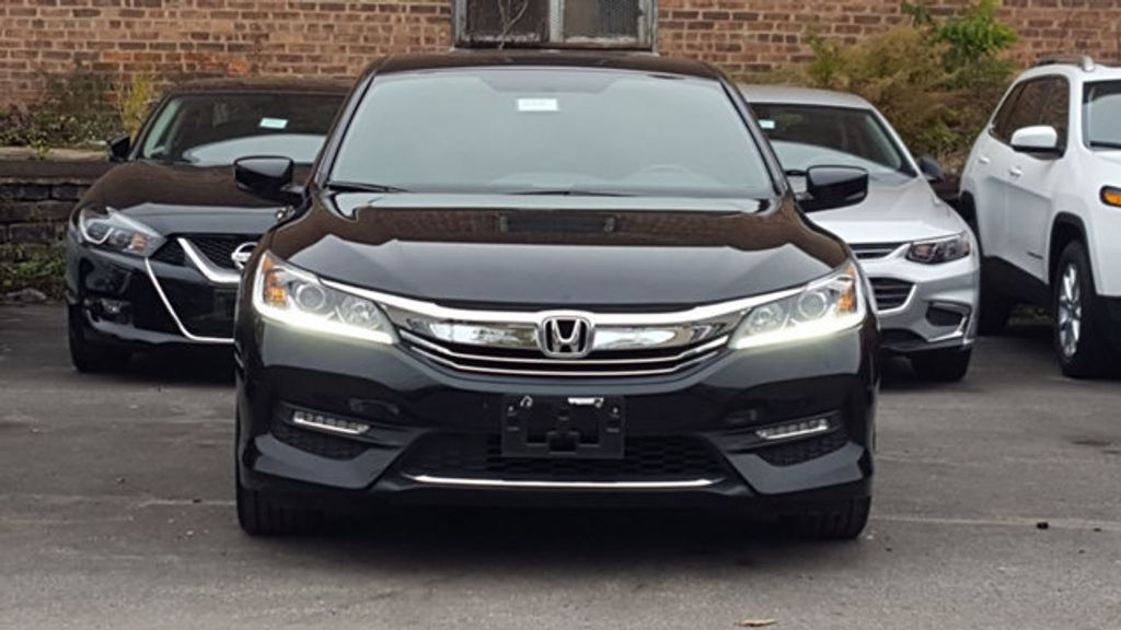 2017 Honda Accord Sedan Sport SE - 18313614 - 2