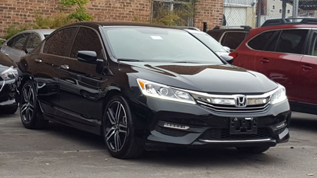 2017 Honda Accord Sedan Sport SE - 18313614 - 3