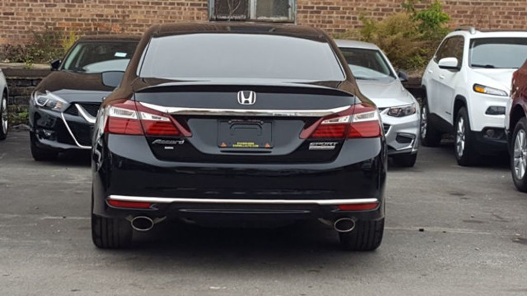 2017 Honda Accord Sedan Sport SE - 18313614 - 5