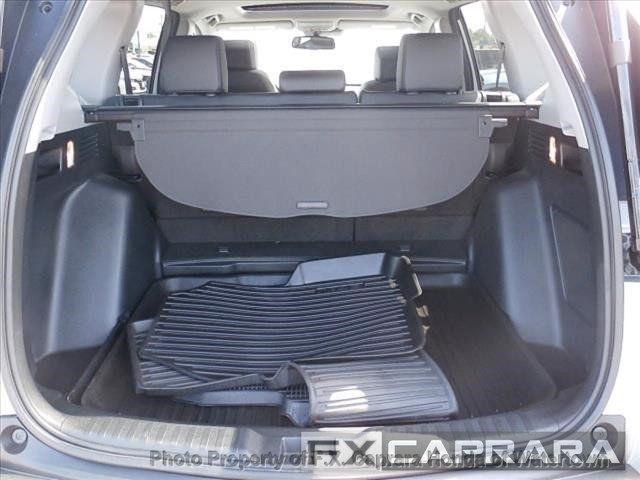 2017 Honda CR-V Touring AWD - 18006577 - 12