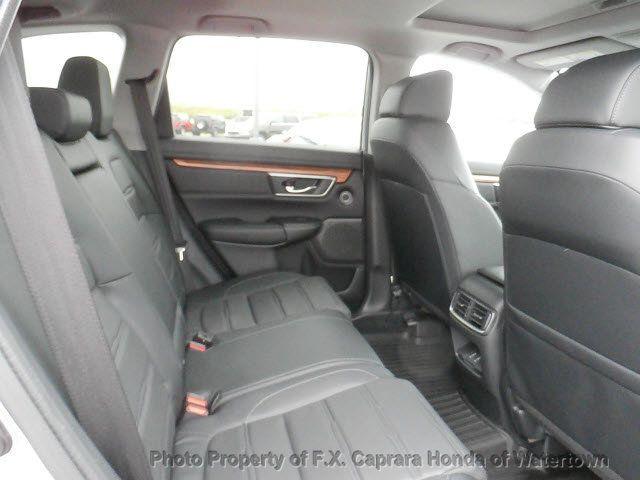 2017 Honda CR-V Touring AWD - 18006577 - 35