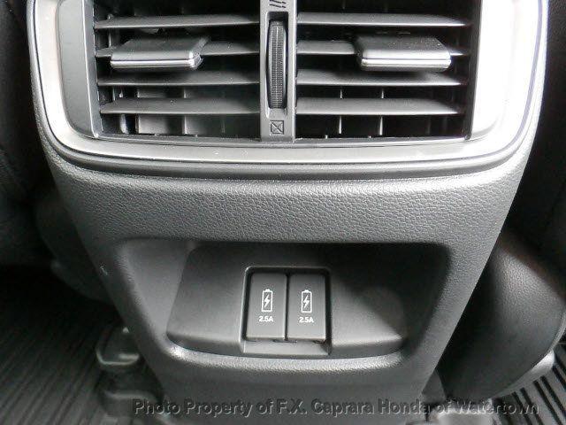 2017 Honda CR-V Touring AWD - 18006577 - 36