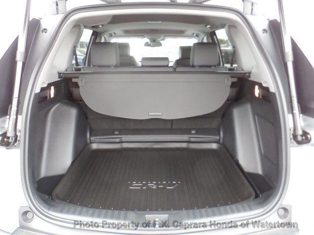 2017 Honda CR-V Touring AWD - 18006577 - 37