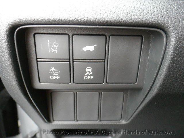 2017 Honda CR-V Touring AWD - 18006577 - 38