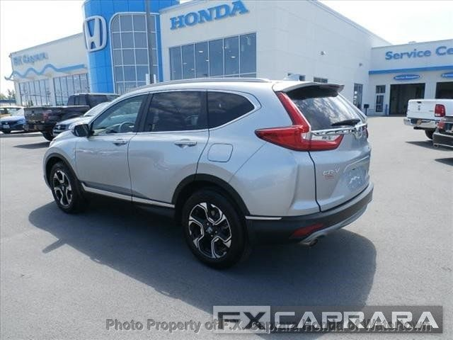 2017 Honda CR-V Touring AWD - 18006577 - 4
