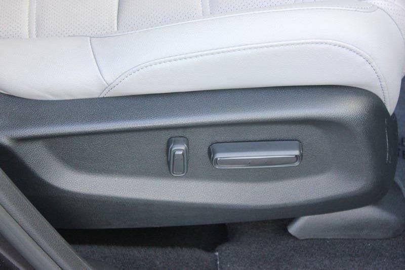 2017 Honda CR-V Touring AWD - 17931575 - 15