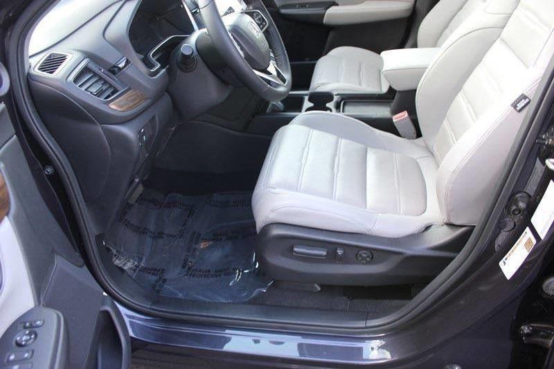 2017 Honda CR-V Touring AWD - 17931575 - 42