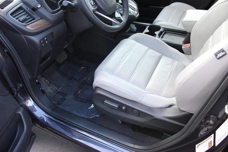 2017 Honda CR-V Touring AWD - 17931575 - 43