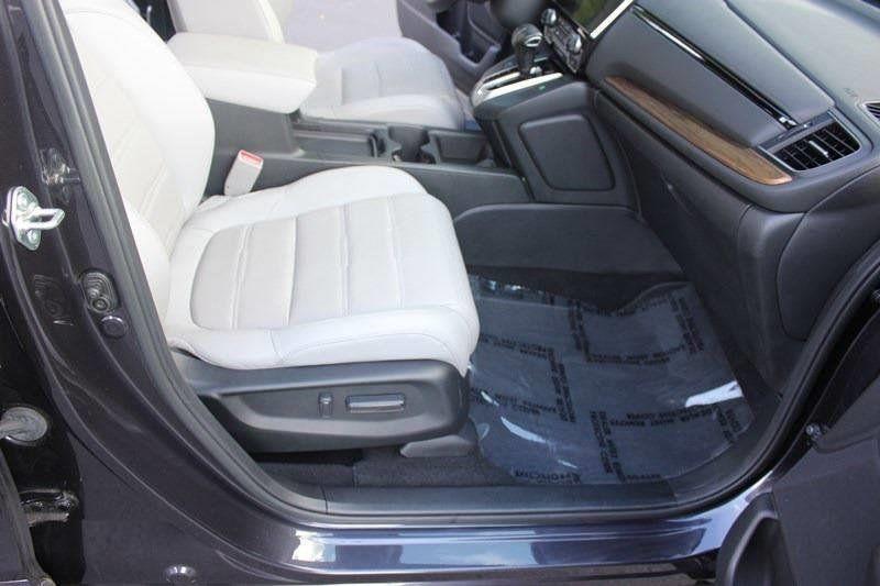 2017 Honda CR-V Touring AWD - 17931575 - 47